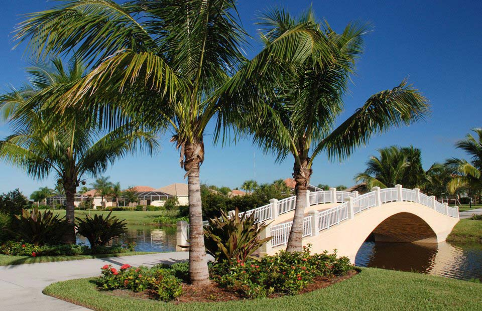 Village Walk Of Bonita Springs