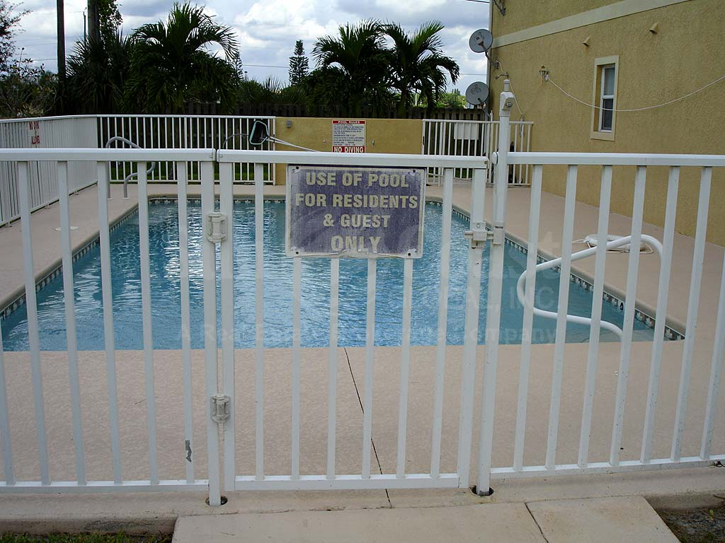 Aruba Commons Community Pool Safety Fence
