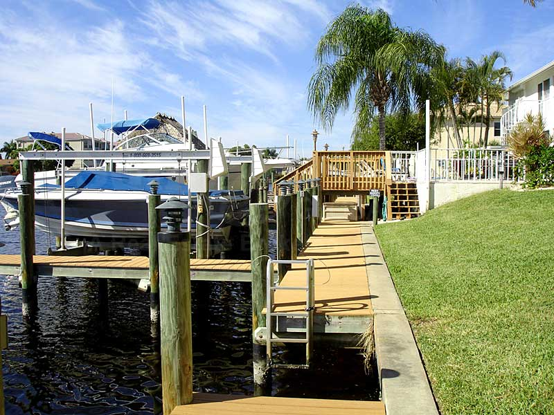 Beach Bay Villas Docks