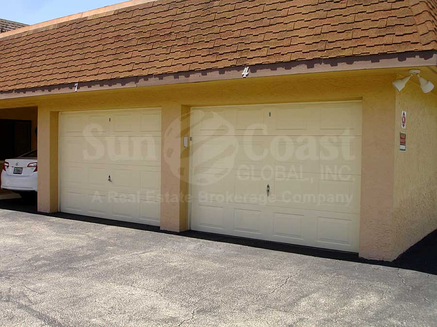 Cape Belle Attached Garages