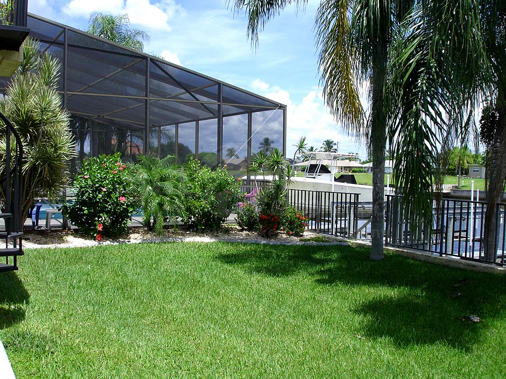 Cape Courrana Pool Screen Enclosure