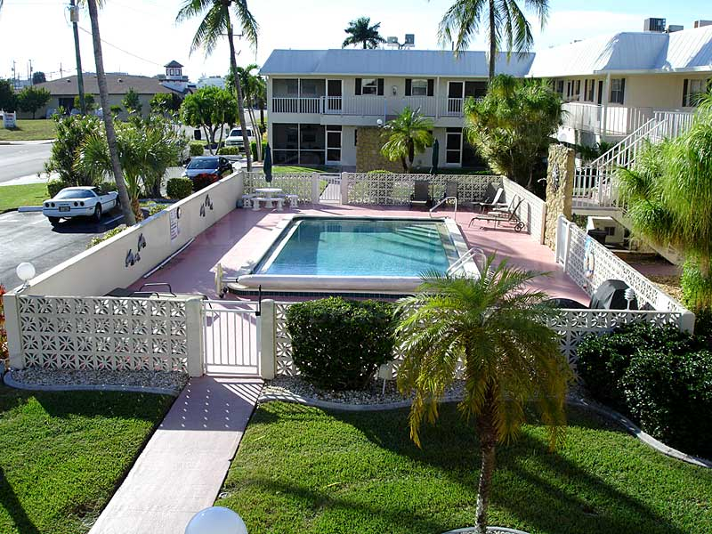 Cape Palms Community Pool