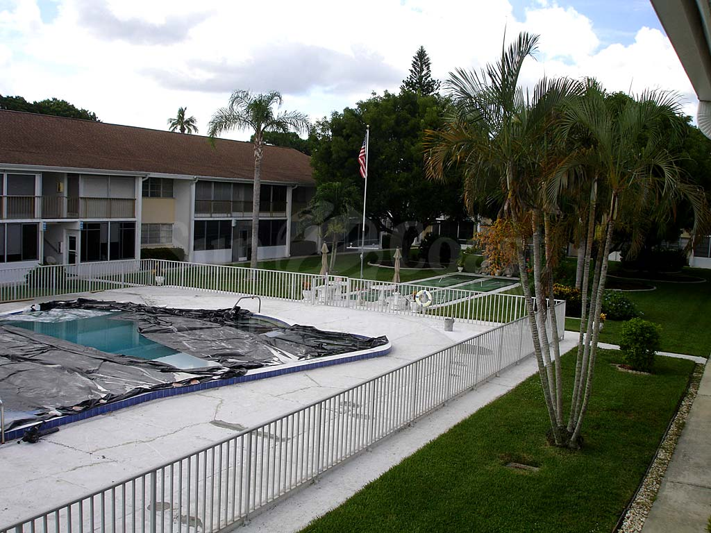 Country Club Estates Community Pool