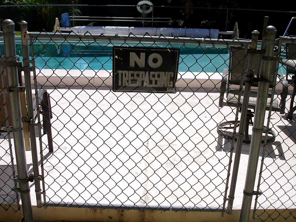 Kent II Community Pool