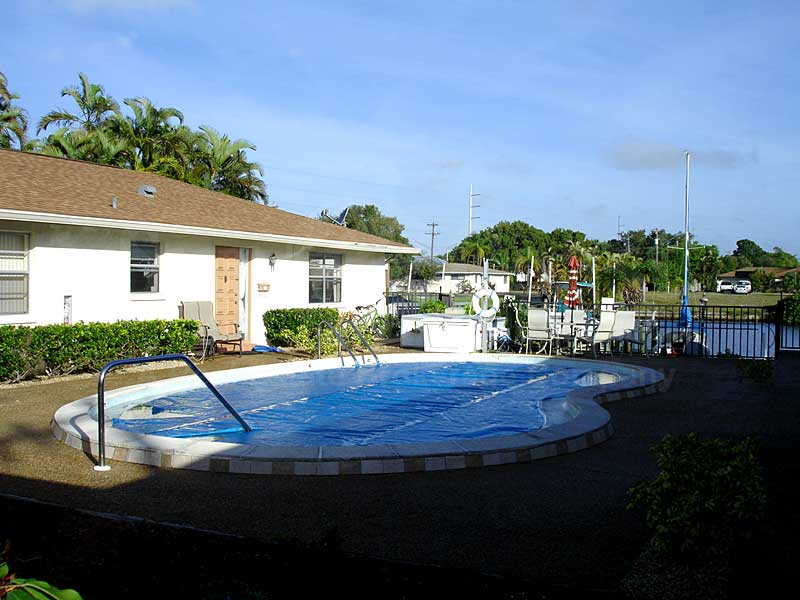 La Buena Vida Community Pool