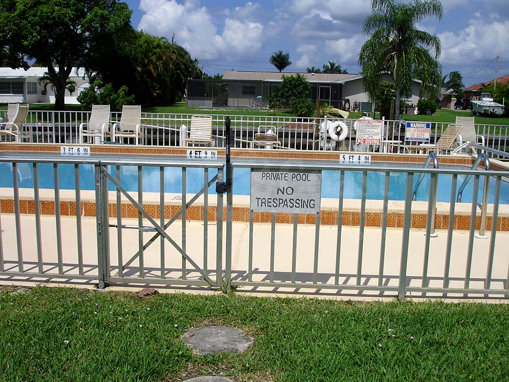 Moonlight Bay Community Pool Safety Fence