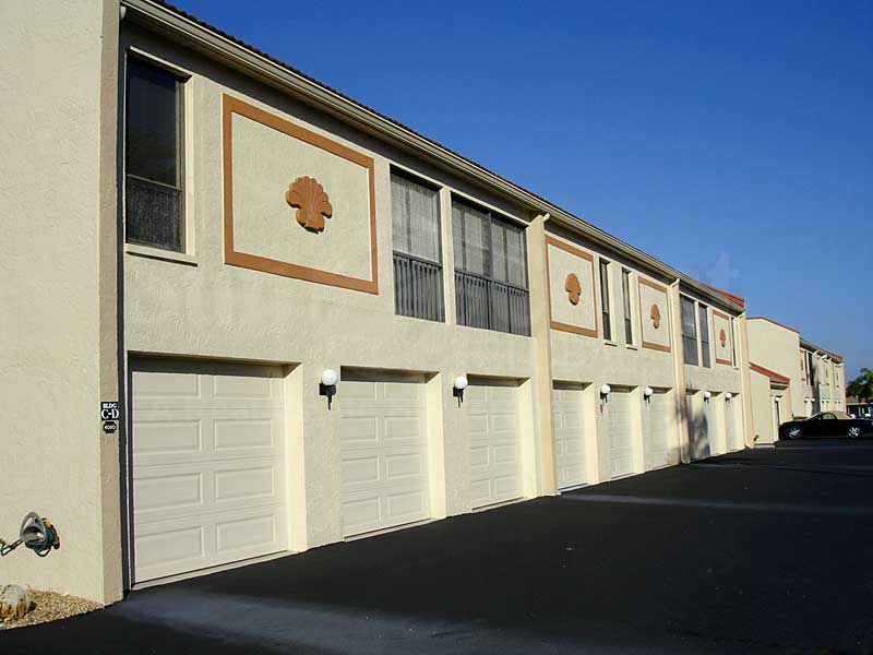 Park View Pointe Attached Garages