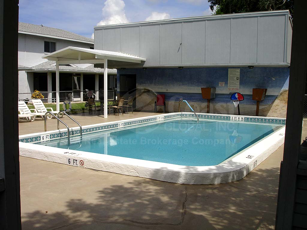 Parkway Village Community Pool