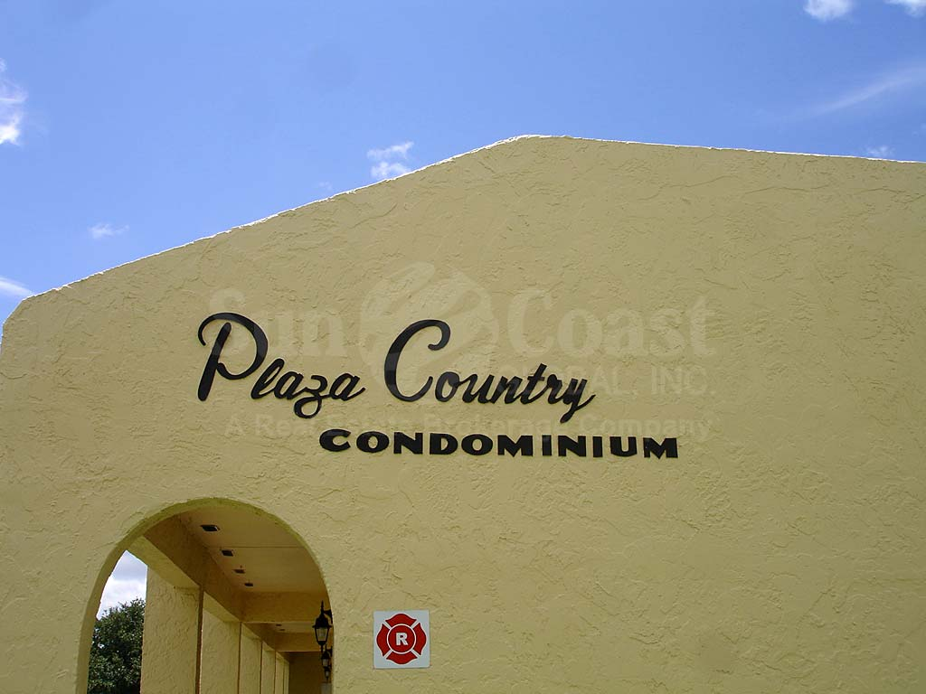 Plaza Country Signage