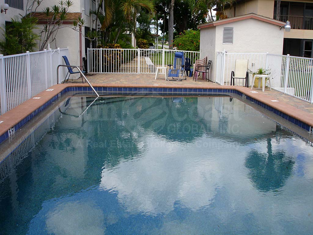 Raven Cove Community Pool