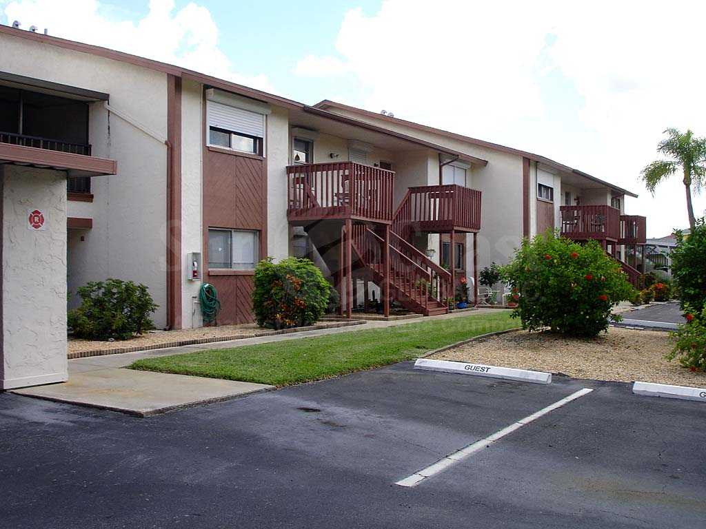 Raven Cove Uncovered Parking