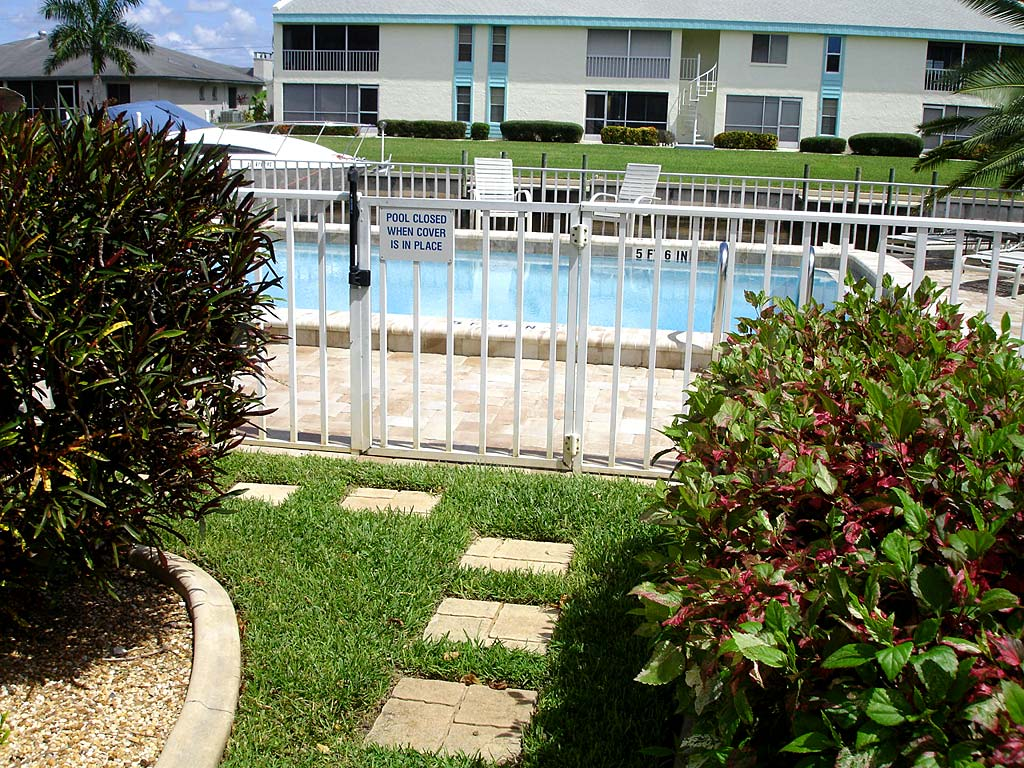Seabreeze Community Pool Safety Fence