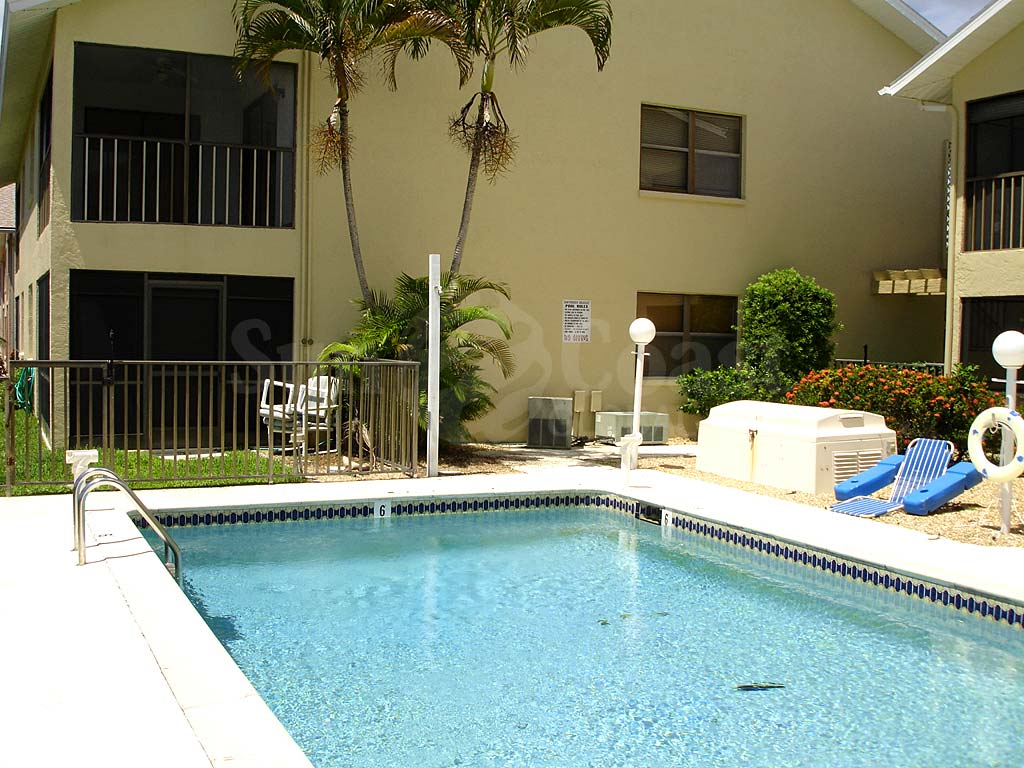 Southern Breeze Community Pool