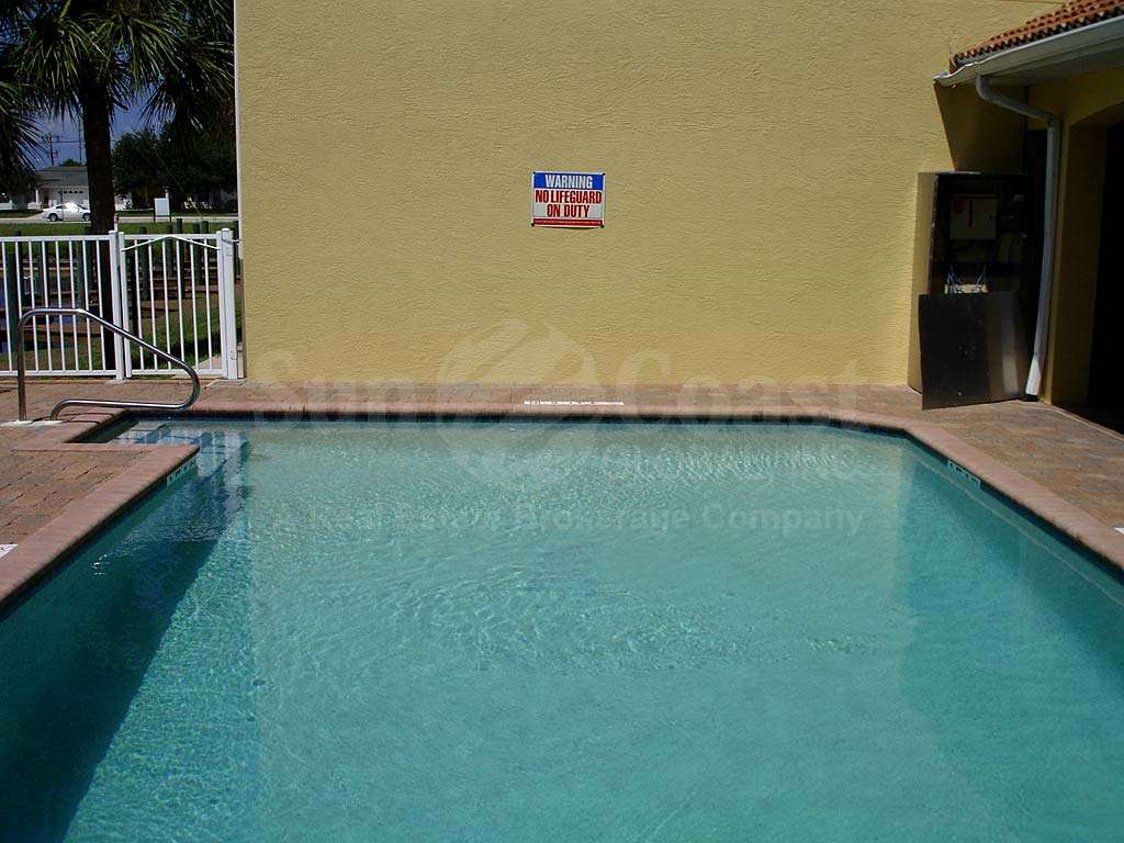 Villa Alivia Community Pool