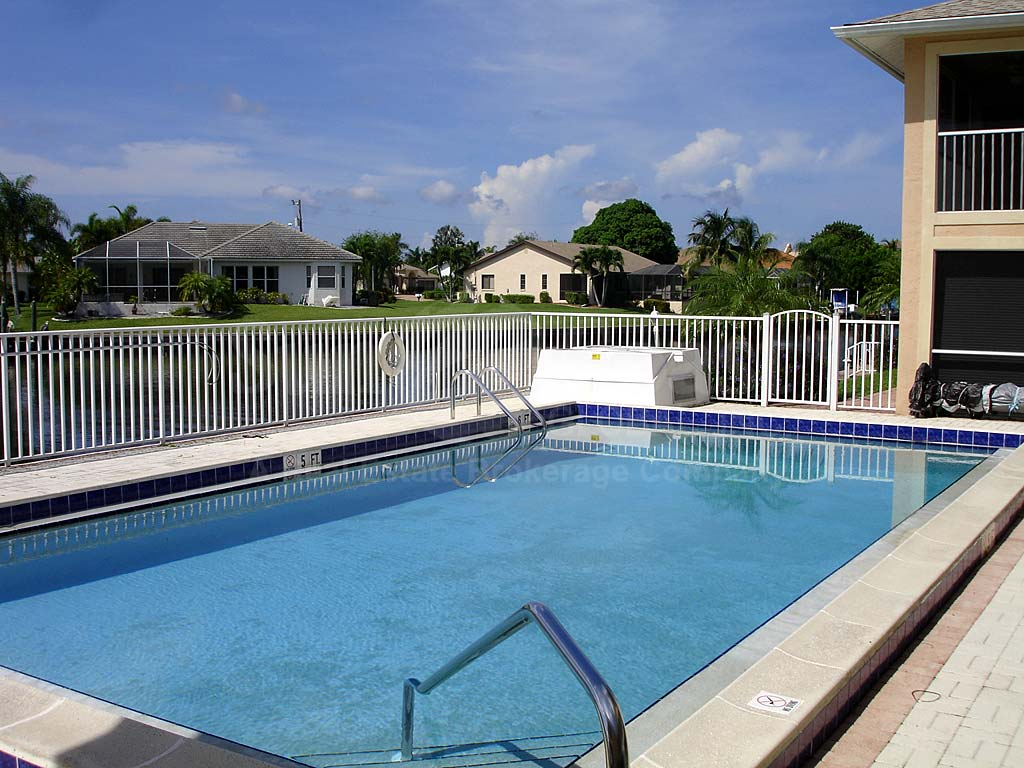 Villa De Vern Community Pool