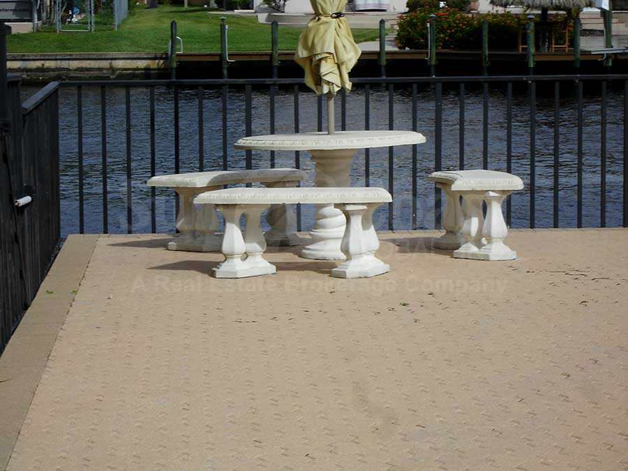 Vista Pointe Seawall Furniture