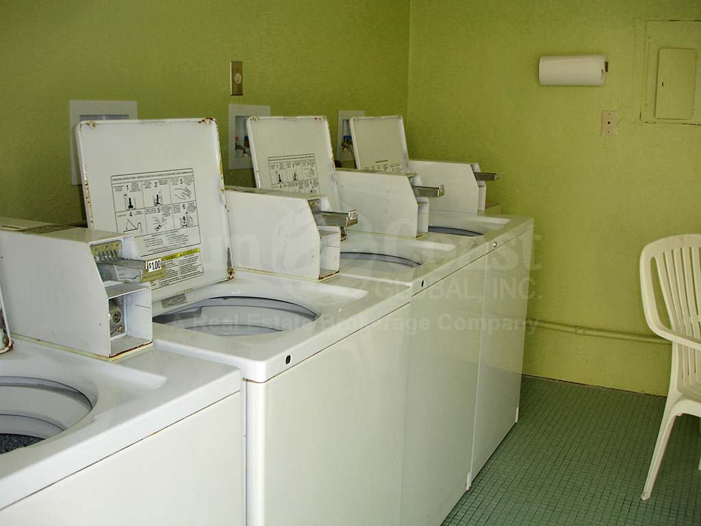 Windsor Manor Laundry Room