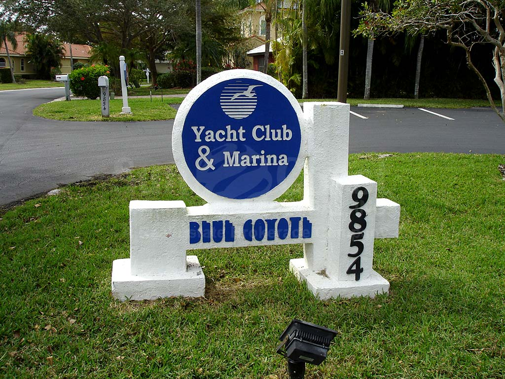 Caloosa Yacht And Racquet Club Signage