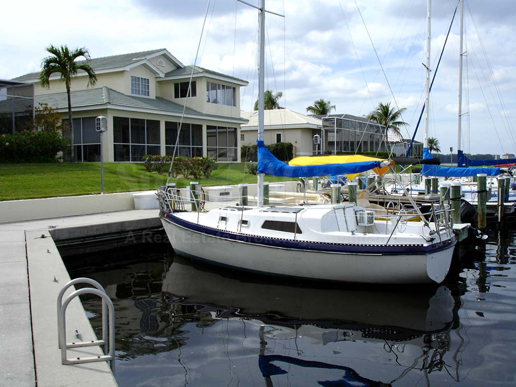 Caloosa Yacht And Racquet Club Boat Docks
