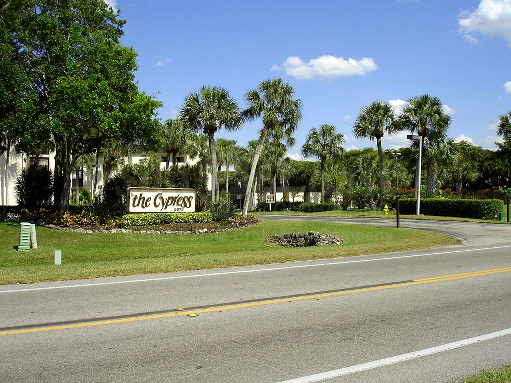Cypress Waterfront Condos Entrance