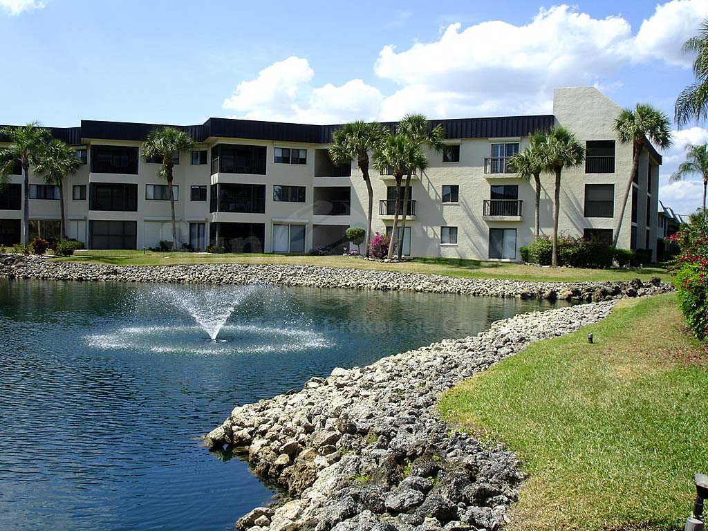 Cypress Waterfront Condos Fountain