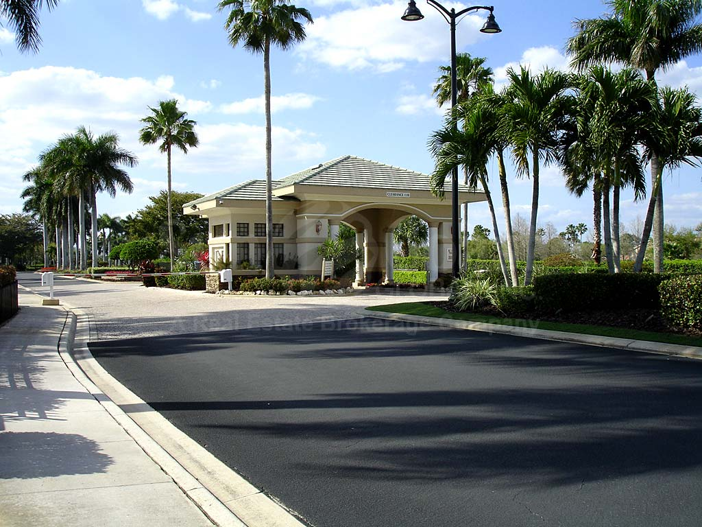 Heritage Palms Entrance
