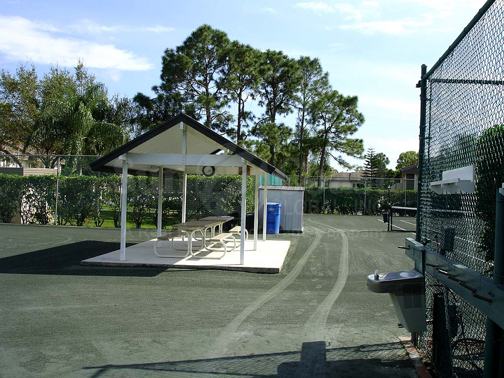 Hideaway Country Club Tennis Courts