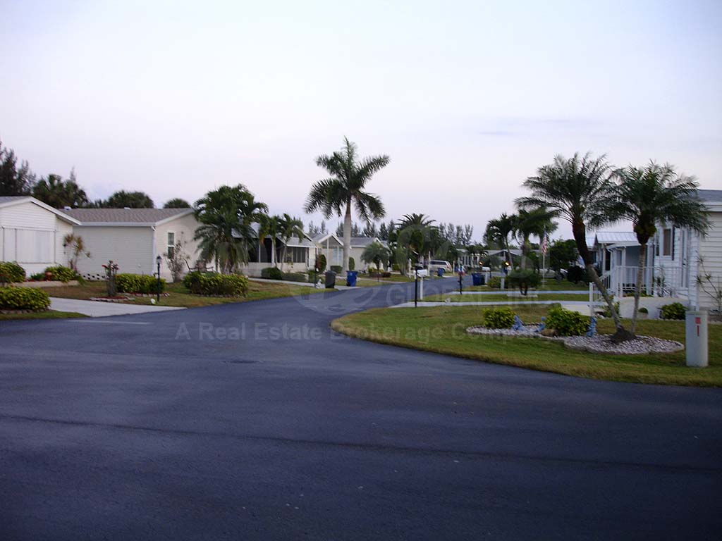 Lee Plantation Homes