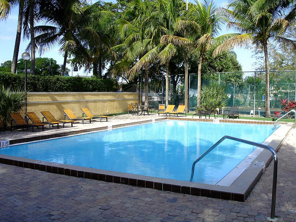 Mystic gardens real estate fort myers florida fla fl - Sun garden manufactured home community ...