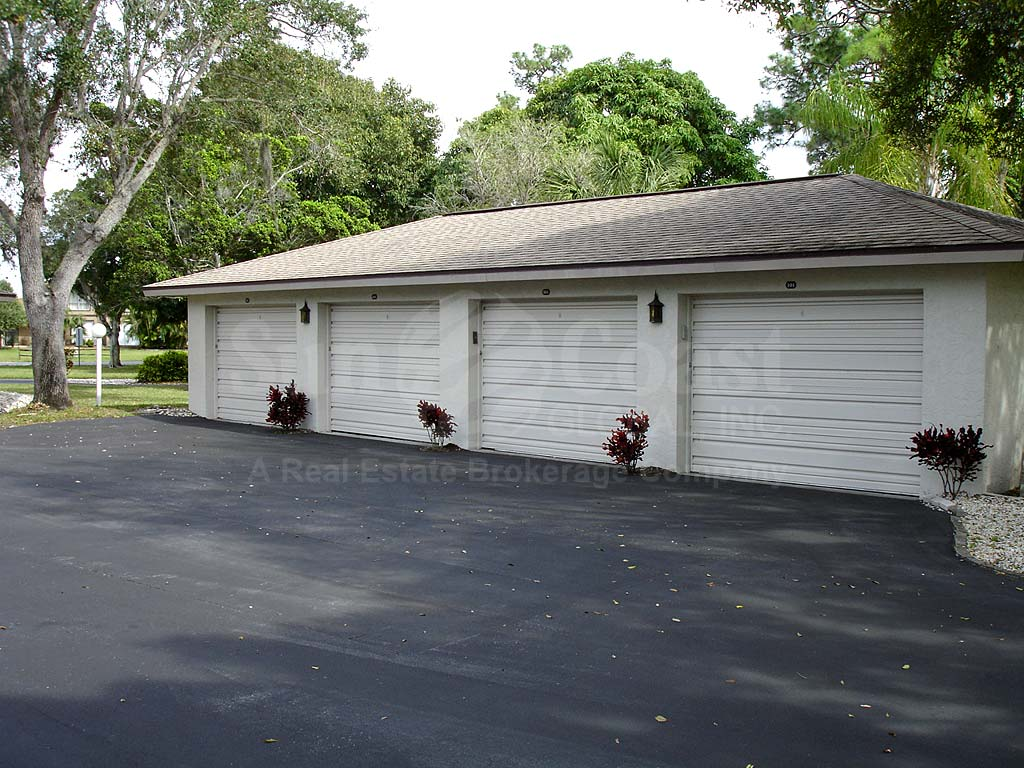Riverside Beach Detached Garages