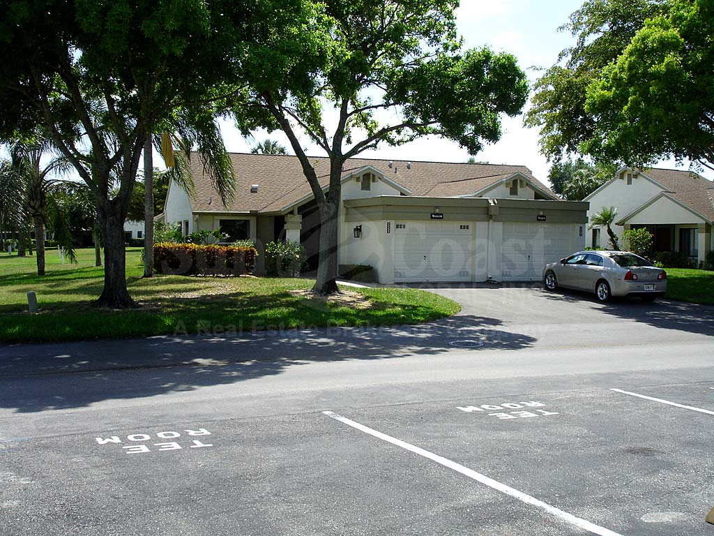Seven Lakes Villas Uncovered Parking