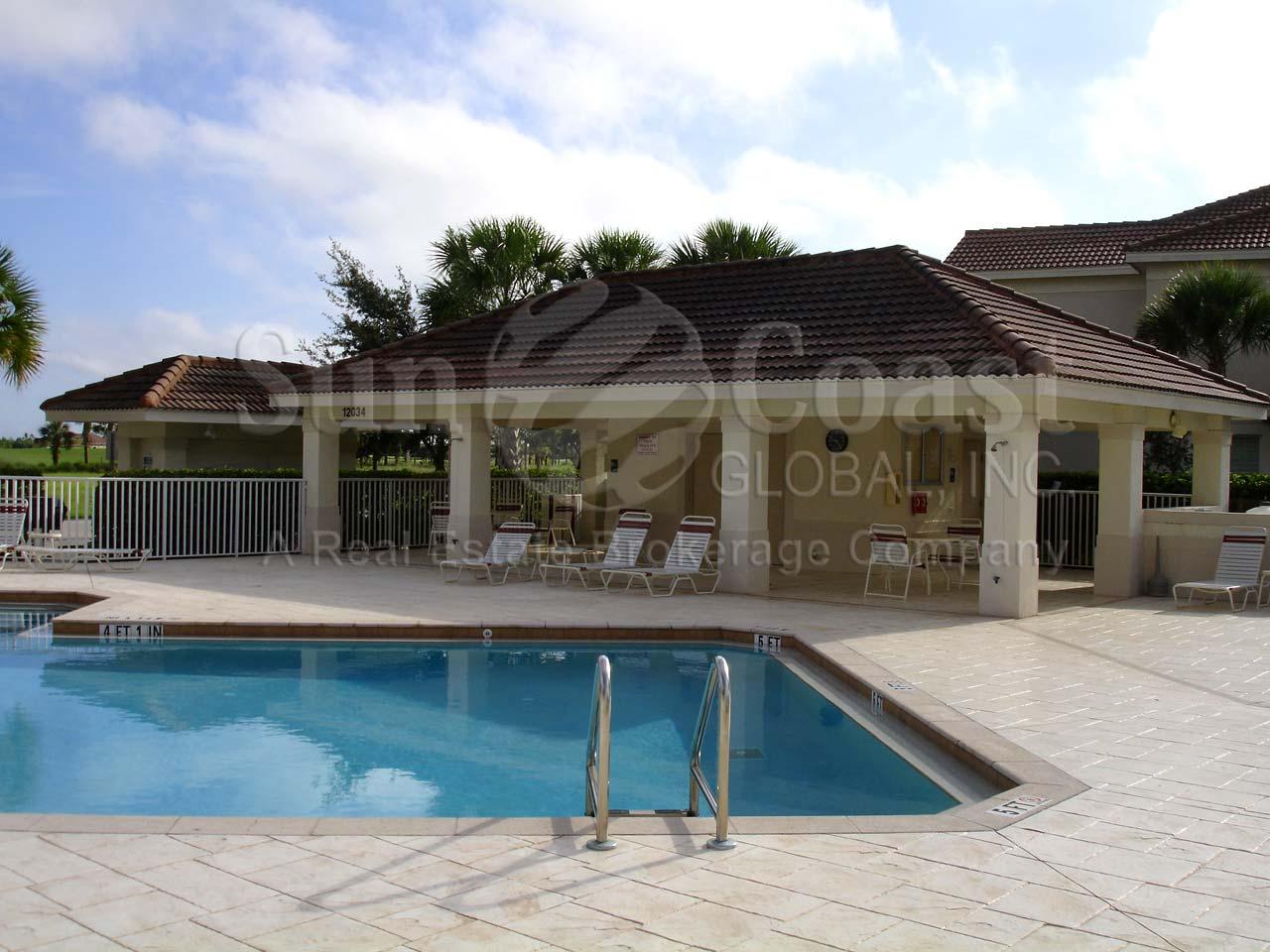 Covent garden outdoor pool garden ftempo - Outdoor swimming pool covent garden ...