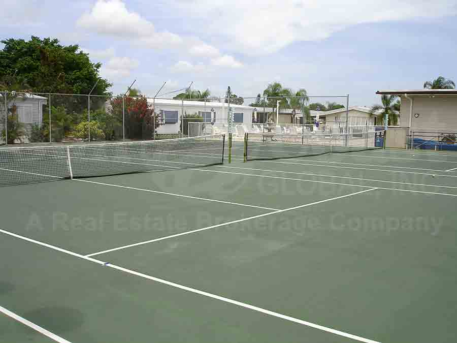 BLUE SKYS MOBILE HOME PARK Tennis Courts