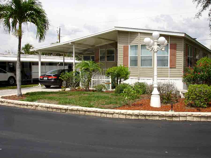 RIVERBEND MOBILE HOME PARK Homes