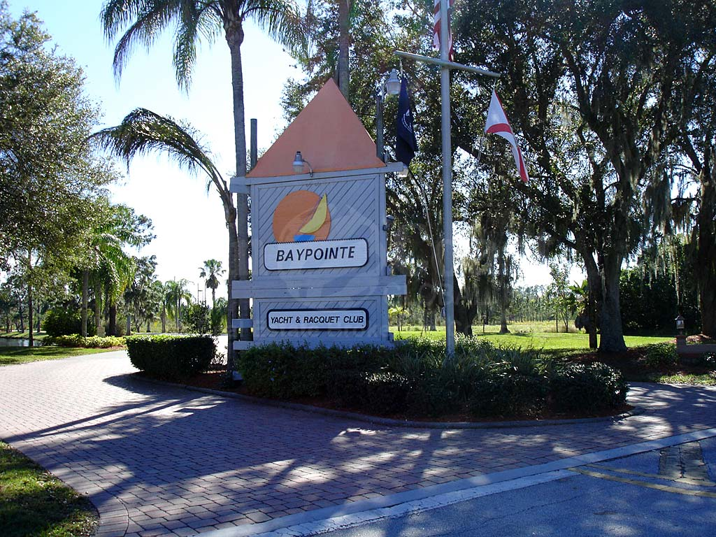 Bay Pointe Yacht And Racquet Club Signage