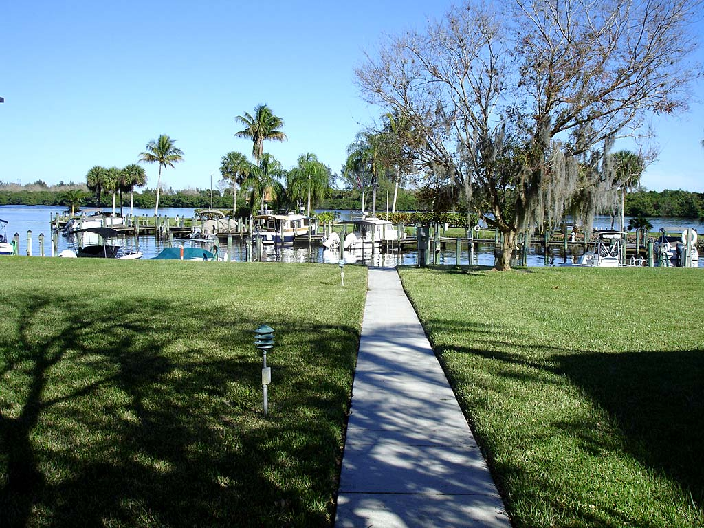 Bay Pointe Yacht And Racquet Club Walkway