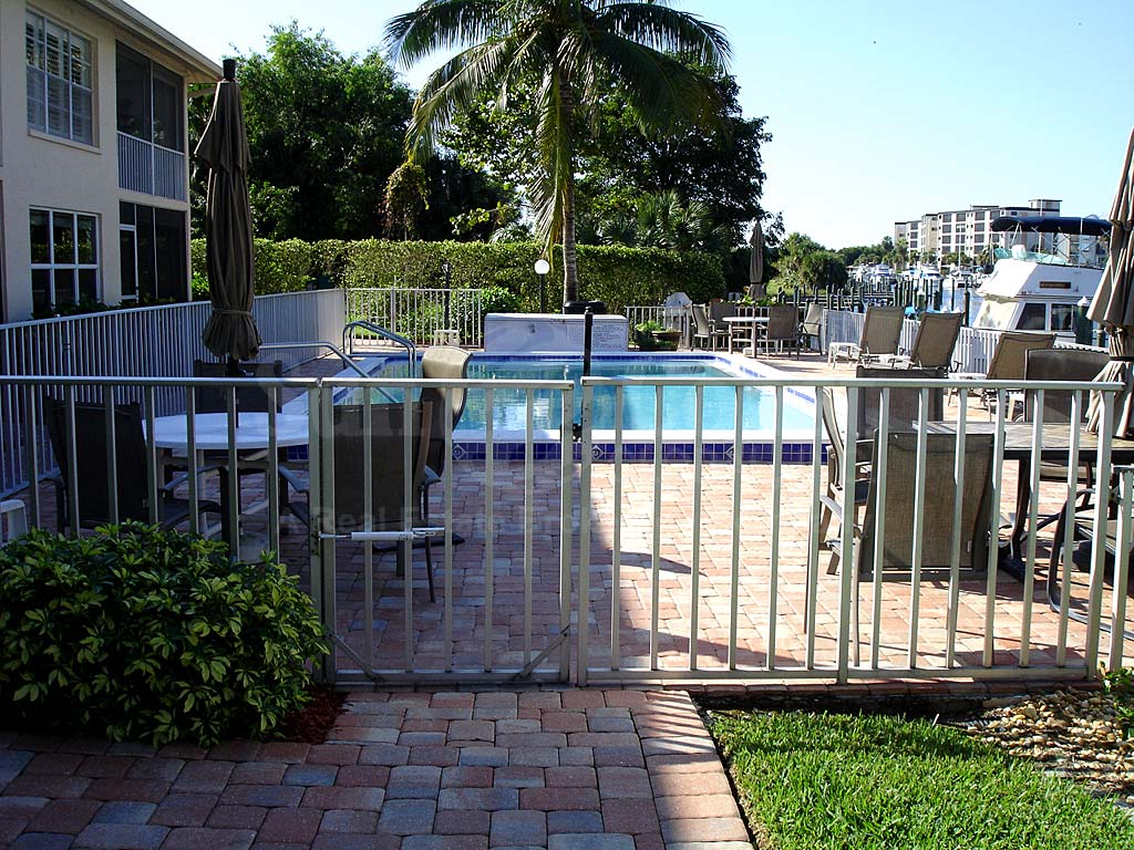 Key Harbour Community Pool Safety Fence