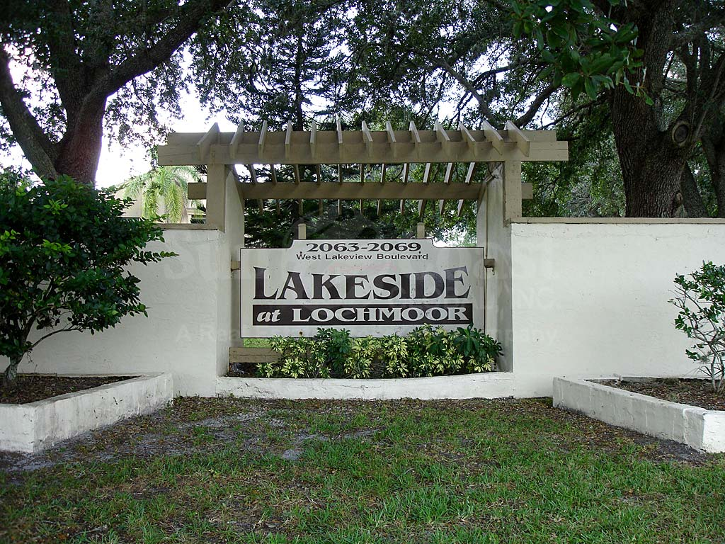 Lakeside At Lochmoor Signage