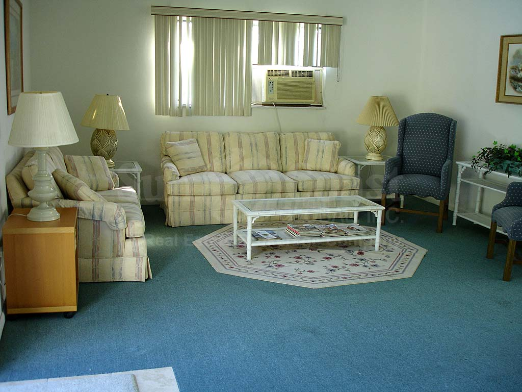Lochmoor On The Green Community Room