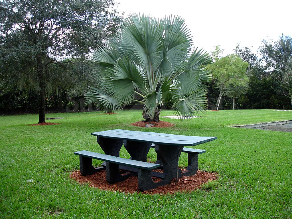 Moody River Estates Picnic Bench