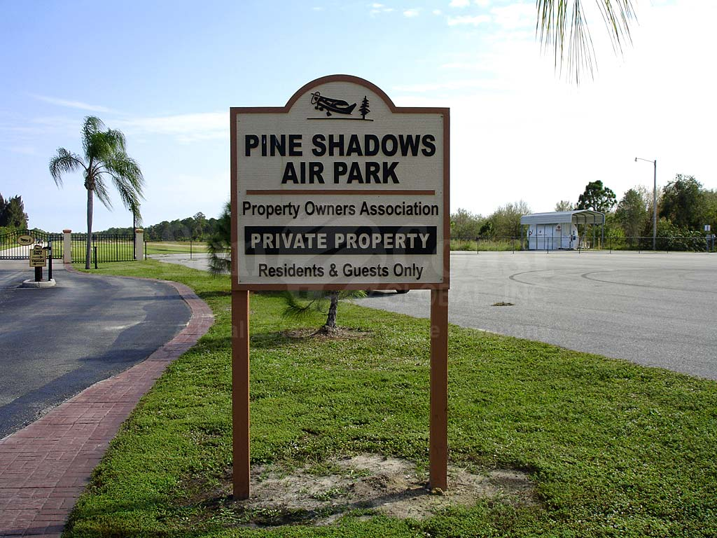 Pine Shadows Air Park Signage