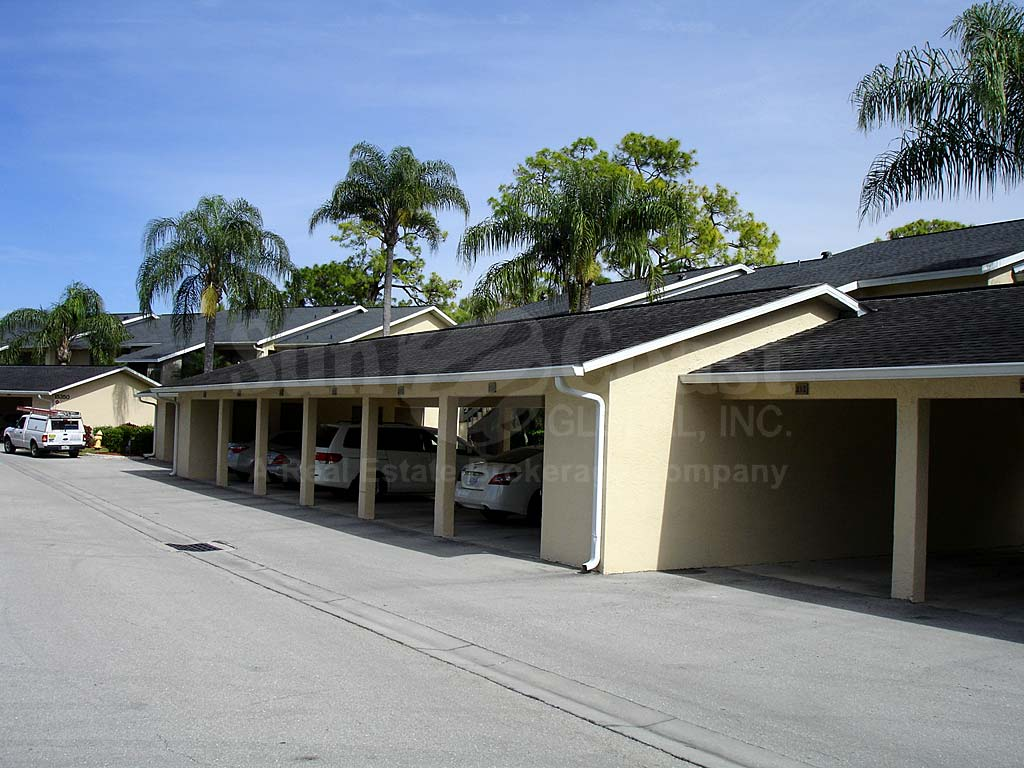 Yachtsmans Cove Attached Garages