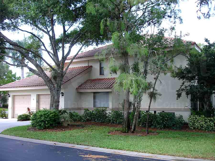 Naples Florida Foreclosures Condos