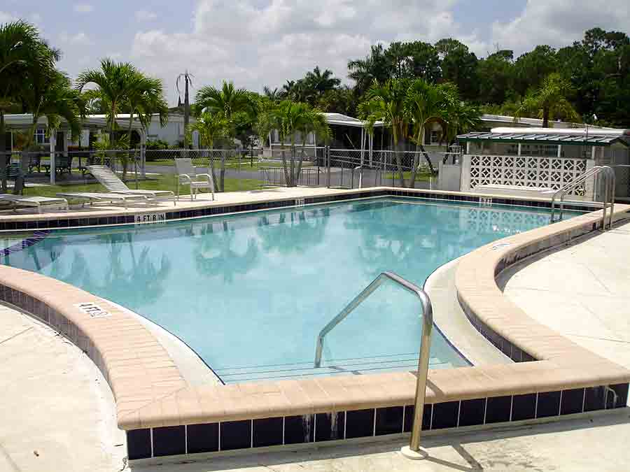 ENCHANTING ACRES MOBILE HOME Community Pool