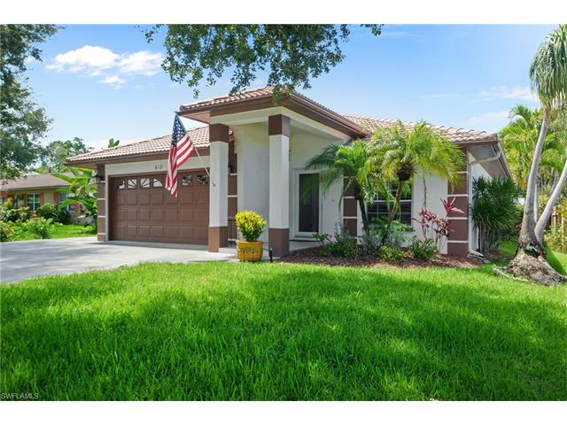 Beautiful And Newer Single Family Home Located In Naples Park 600 Block Close To The Beach Wiggins Pass State